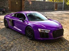Mùng 3 Tết Nguyên Đán cùng chiêm ngưỡng siêu xe Audi R8 V10 Plus màu tím bóng lạ mắt