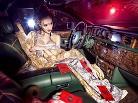 Mừng xuân năm mới với người đẹp cổ trang bên chiếc Rolls-Royce Phantom