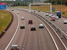 10 lỗi thường gặp khi lái xe trên cao tốc