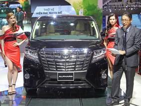 Toyota Alphard chính thức được bán tại Việt Nam với giá 3,533 tỷ đồng