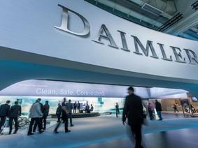 Daimler hướng đến tương lai với taxi bay