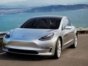 Tesla gạ người dùng mua Model S khi đặt hàng Model 3