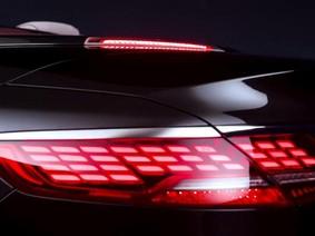"""Mercedes-Benz S-Class 2018 """"nhá hàng"""" đèn hậu OLED hoàn toàn mới"""