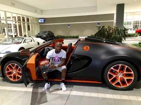 Bugatti Veyron Grand Sport Vitesse được đấu giá 53 tỷ đồng