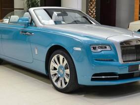 Chiêm ngưỡng Rolls-Royce Dawn xanh ngọc lam quý phái tại Abu Dhabi