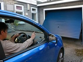 Những lưu ý tránh bão cho ô tô