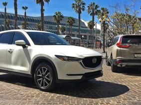 """So sánh Honda CR-V 2018 và Mazda CX-5 2018: """"Một 9, một 10"""""""