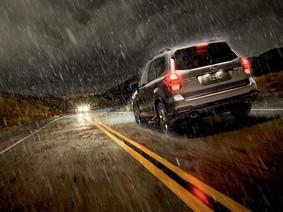 6 lưu ý cần nhớ kỹ để lái xe an toàn trong trời mưa
