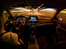 Lái xe vào ban đêm chẳng dễ dàng nếu không nắm rõ quy tắc