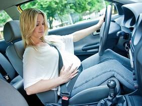 Bí quyết lái xe an toàn dành riêng cho phụ nữ mang thai