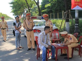 Buộc lao động công ích để trị vi phạm giao thông