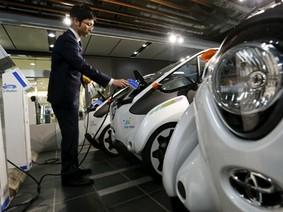 """Toyota """"đổ"""" hàng chục tỷ USD vào pin xe điện"""