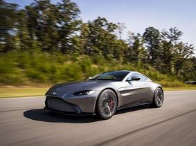 """Aston Martin """"ôm mộng"""" tạo ra đối thủ mới của Tesla Roadster"""