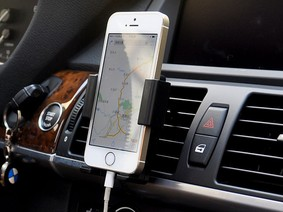 Những vật dụng cần thiết mà siêu rẻ trên xe ô tô