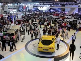 Năm 2017: Doanh số bán ô tô tại Việt Nam chỉ đạt gần 273.000 xe