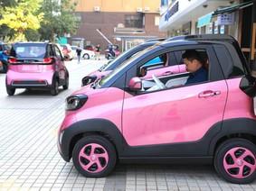 """Dừng hỗ trợ thuế , dân Trung Quốc bớt mua sắm xe năm 2018, các hãng """"khóc ròng"""""""