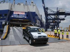 Chỉ người dùng bị thiệt sau tuyên bố ngừng nhập khẩu ô tô của hãng ngoại
