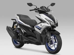Yamaha NVX 155 có màu tem mới như siêu mô tô Yamaha YZF-R1M