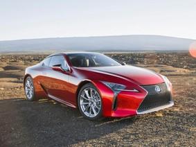 """Xe Lexus bị khách hàng """"ruột"""" quay lưng vì lưới tản nhiệt đồng hồ cát"""