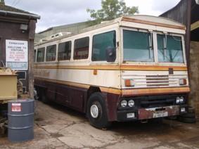 """Khám phá xe buýt chống đạn của """"bà đầm thép"""" Margaret Thatcher"""