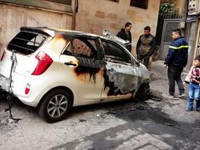 Hà Nội: Kia Morning Van đỗ trong ngõ bốc cháy lúc nửa đêm