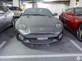 """Đến siêu xe Aston Martin DB7 GT cũng bị các đại gia Dubai """"hắt hủi"""""""