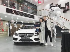 """Hot girl Heo Mi Nhon cùng chồng tậu Mercedes-Benz C300 AMG trị giá 1,95 tỷ Đồng """"ăn Tết"""""""