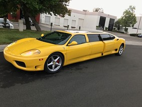 Cận cảnh chiếc limousine Ferrari 360 Modena chẳng ai thèm mua