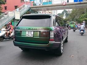 Choáng váng với màu sơn của chiếc Range Rover Autobiography LWB Black Edition tại Sài thành