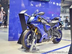 Cận cảnh siêu mô tô Yamaha R1 2018