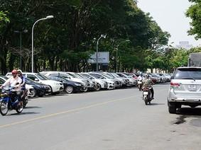 TPHCM: Sẽ không thu phí đỗ xe ô tô qua đêm