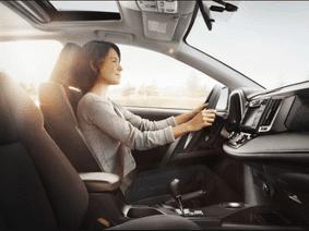 Tránh nguy hiểm khi lái xe ô tô dưới trời nắng nóng