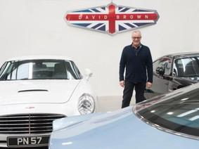 """David Brown Automotive - Công ty chế tạo """"xe cổ pha hiện đại"""" hàng đầu Anh Quốc"""