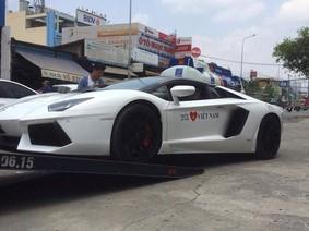 Siêu xe Lamborghini Aventador mui trần bí ẩn nhất Việt Nam được vận chuyển vào Sài thành