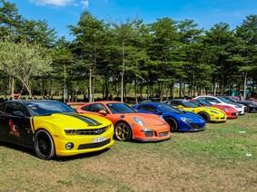 """Cường """"Đô-la"""" đem cặp đôi siêu xe """"khủng"""" trưng bày tại đại hội mô tô ở Đồng Nai"""