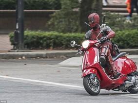 """Bộ sưu tập xe độ khủng của """"thánh lầy"""" Deadpool"""