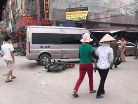Yamaha Exciter 150 độ đâm ngang Ford Transit tại Bắc Ninh