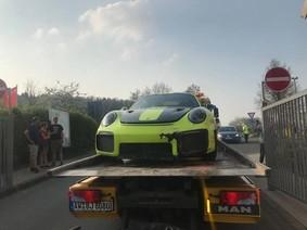 """Mang Porsche 911 GT2 RS 2018 mới mua đi đua, chủ xe nhận cái kết """"đắng"""""""