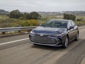 Sedan cỡ trung Toyota Avalon 2019 được báo giá, đắt hơn đáng kể so với Camry