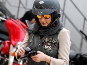 Lệnh cấm phụ nữ điều khiển xe mô tô, ô tô tại Ả-Rập được dỡ bỏ