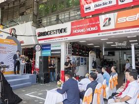 """""""Lăn bánh an toàn"""" của Bridgestone tiếp tục đến với 100 khách hàng tại Hà Nội"""