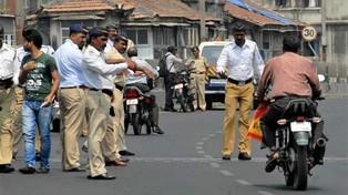 Ấn Độ: Người đàn ông đột tử vì bị cảnh sát chặn xe kiểm tra giấy tờ