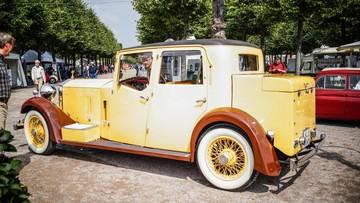 """Ngỡ ngàng trước """"dung nhan"""" chiếc Rolls-Royce hàng thửa của Tiểu vương Ấn Độ"""
