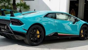 """""""Bỏng mắt"""" với màu sơn xanh Glauco trên siêu xe Lamborghini Huracan Performante"""