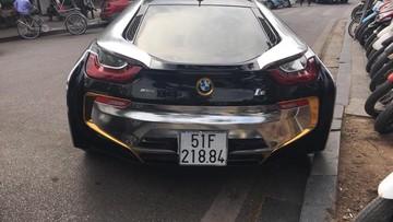 BMW i8 khoác áo màu crôm nổi bần bật tại Hà thành