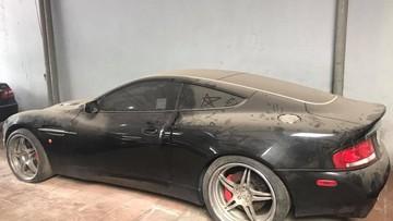 """Xót xa với hình ảnh chiếc siêu xe Aston Martin Vanquish bí hiểm nhất Việt Nam bị """"bỏ rơi"""""""