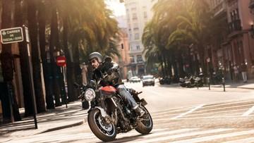 Xe cổ điển Kawasaki Z900RS bất ngờ xuất hiện tại Việt Nam