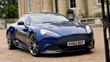 Aston Martin Vanquish đặc biệt của nam diễn viên 007 được bán đấu giá 600.000 USD