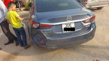 Hành động hiếm thấy sau khi làm móp đuôi Mazda6