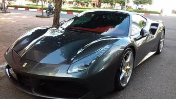 """Cường """"Đô-la"""" lái siêu xe Ferrari 488 GTB màu xám du hí tại Vũng Tàu"""